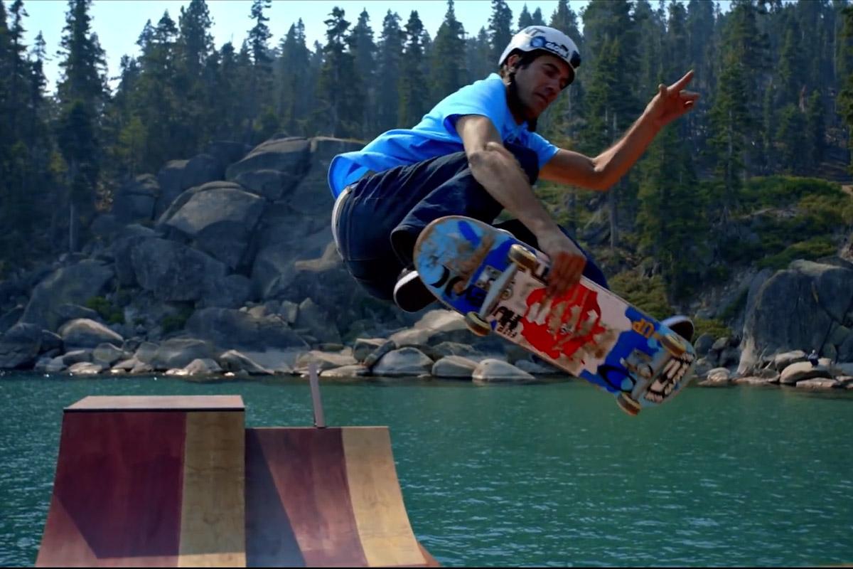 Schwimmende Skateboardrampe