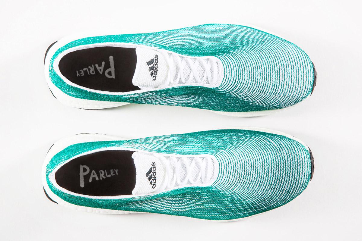 Ozean-Schuh von Adidas