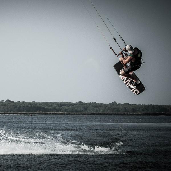Mit dem Kite über den Gardasee schweben
