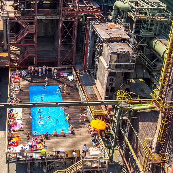 Das Ruhrpott-Planschbecken: Schwimmen im Stahlkoloss